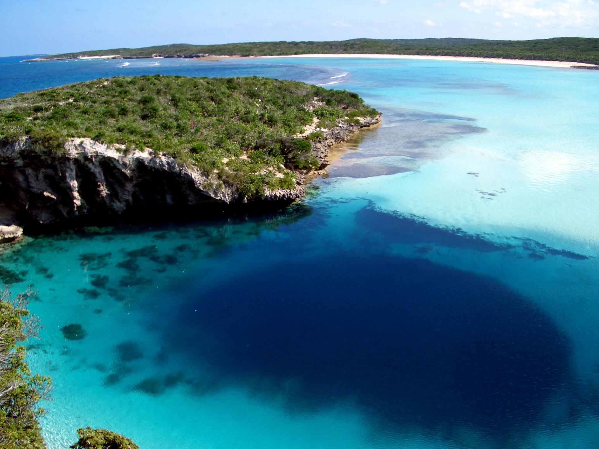 Deans Blue Hole, Long Island, Bahamas