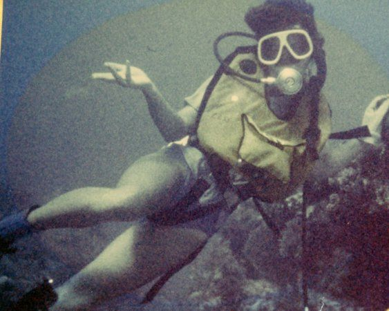 Lynn diving Mimi reefs, circa 1978.