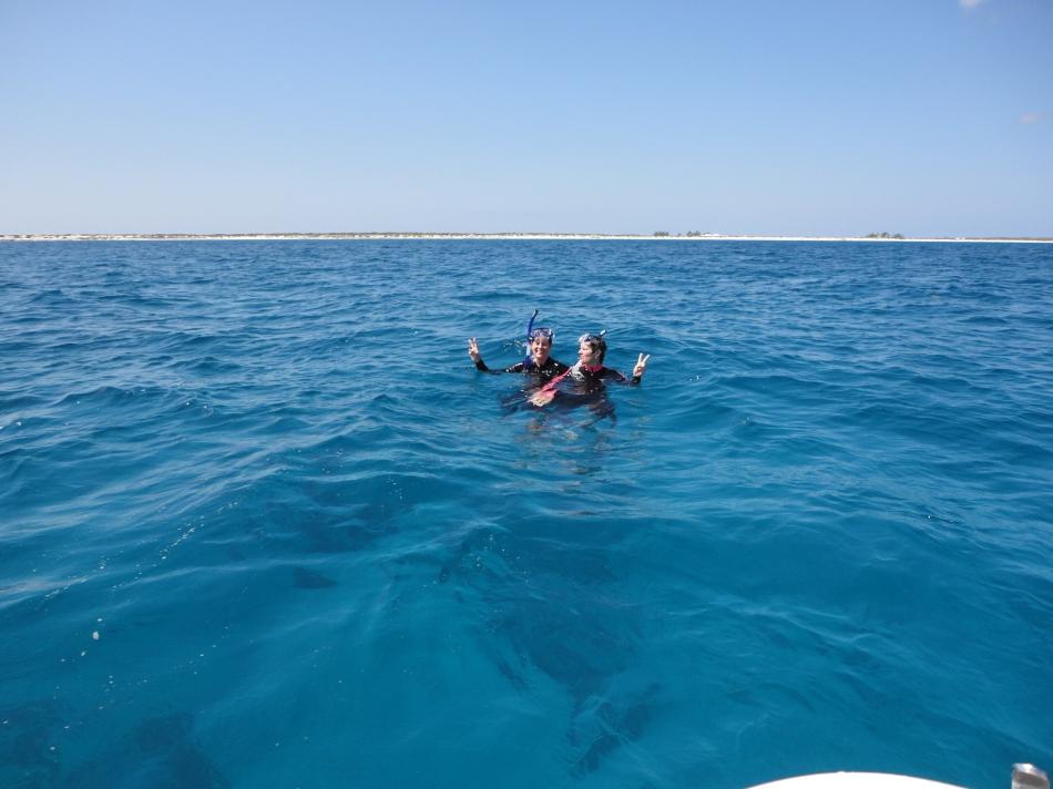 Snorkel gals, Salt Cay
