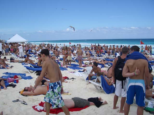 Typical Cancun spring break beach scene