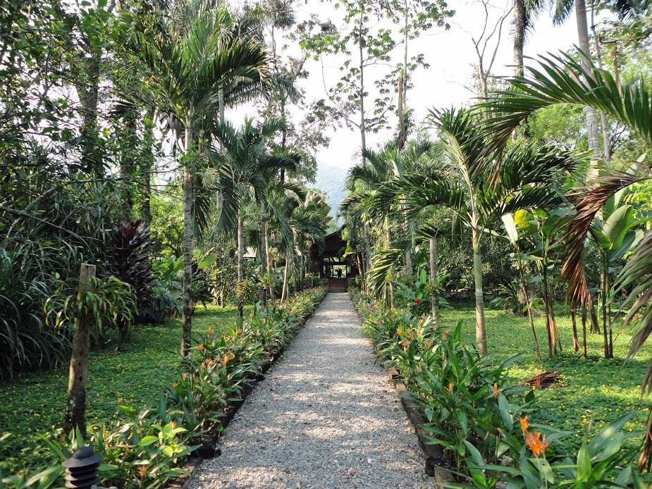 Garden entry to reception at Pico Bonito Lodge, Honduras.