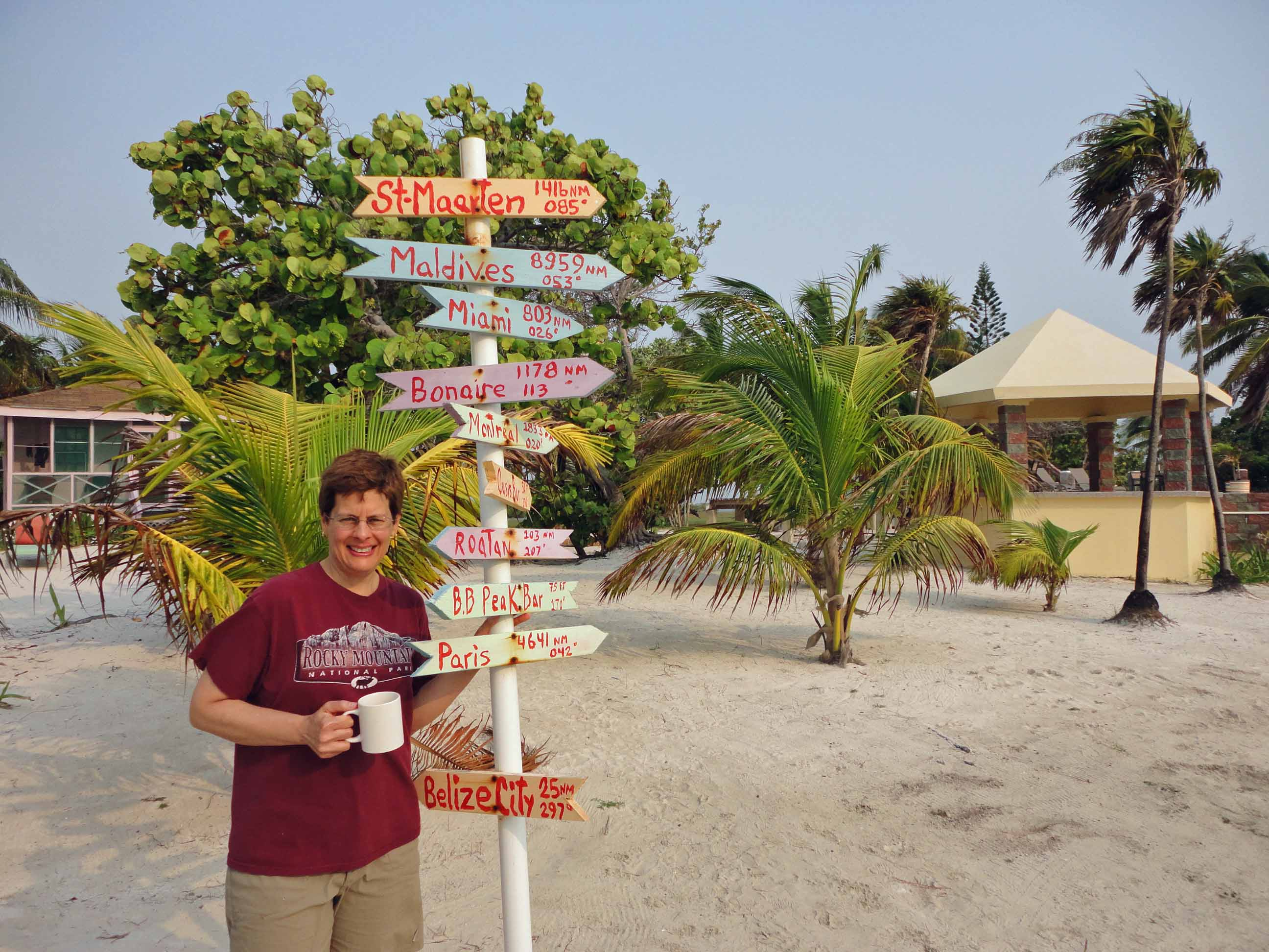 Robin, sign post, Blackbird Caye Resort, Turneffe Atoll, Belize