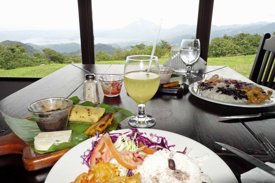 Meal with a view to Arenal volcano and lake