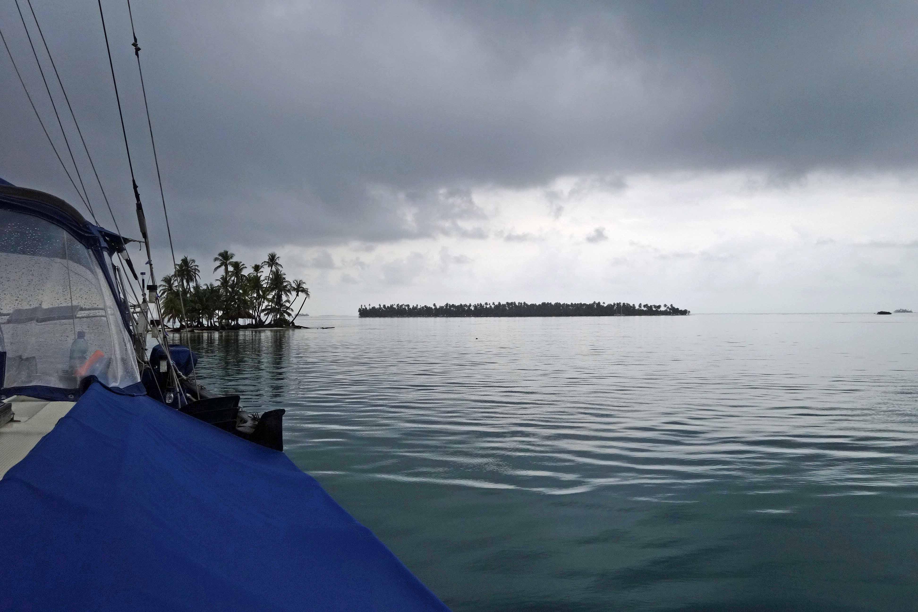 Rain over the Guna Yala islands, Panama, C.A.