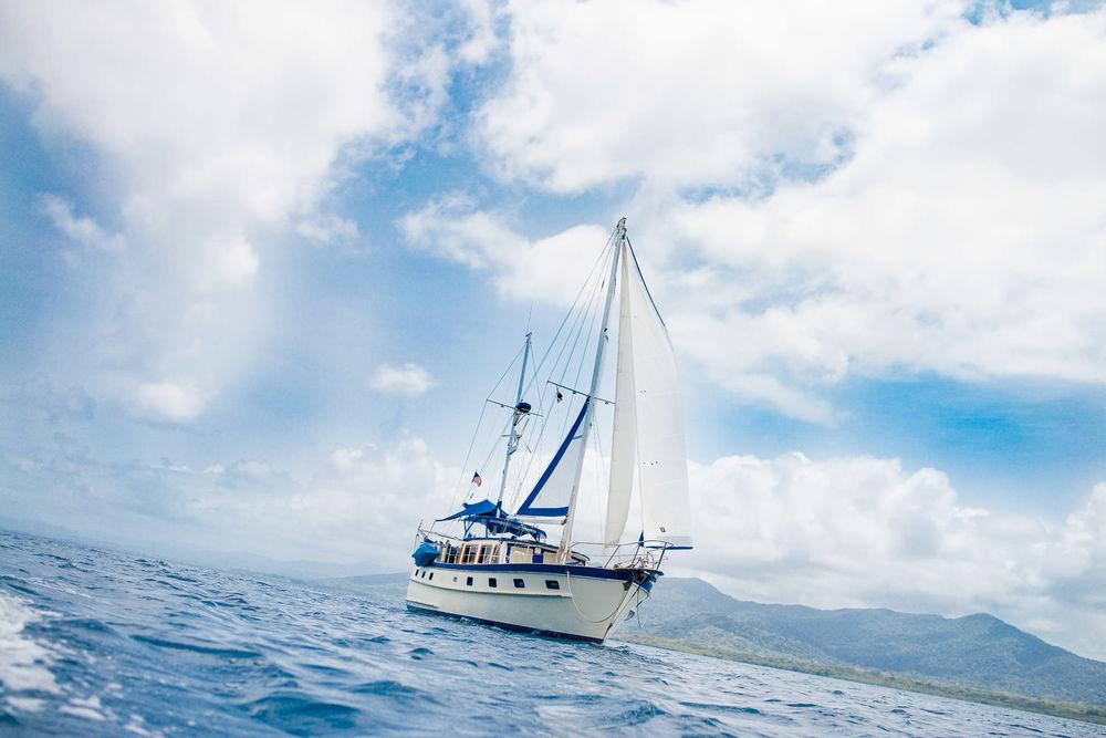 Sailing yacht Blue Sky, Gun Yala islands, Panama